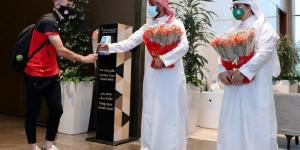 استقبال سعودي حار لفريق كروي إيراني (صور)